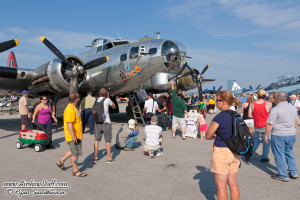 "B-17 ""Yankee Lady"" and Crowd - Cleveland Airshow 2014"
